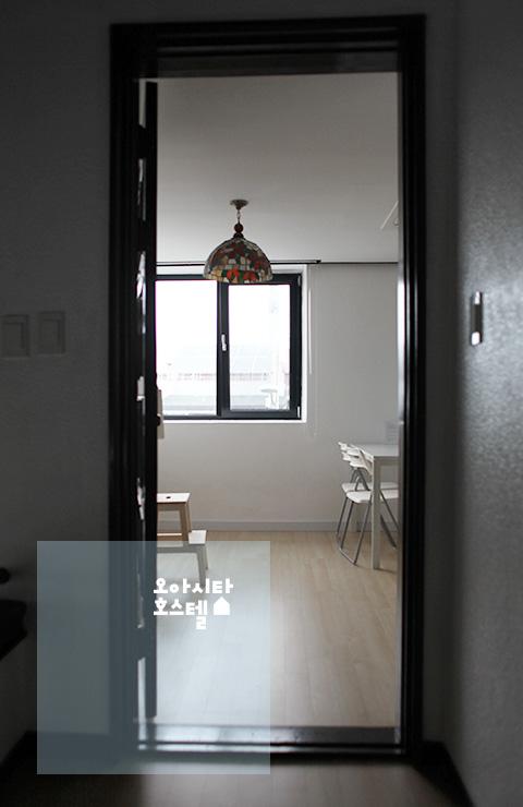 Room_E_01-1