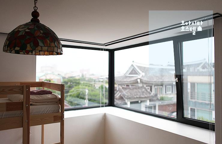 Room_E_04
